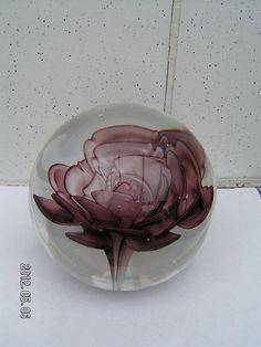 sulfure presse papier decor fleur en verre de murano