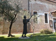 Treviso...statua di SanFrancesco.