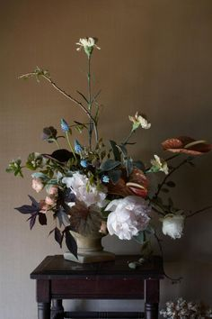 For any flower Saipua will make you drool and sometimes cry with the beauty! PEONIES 0075 by Sarah Ryhanen, via Flowers Deco Floral, Arte Floral, Floral Design, Ikebana, Peony Arrangement, Floral Arrangements, Hydrangea, Flower Designs, Planting Flowers