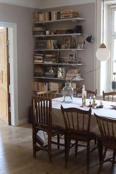 (null) Home Interior, Interior Architecture, Interior Decorating, Interior Design, Vintage Interiors, Home Decor Inspiration, Decor Ideas, Apartment Living, Home And Living