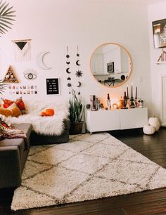 All the bedroom design ideas you'll ever need. Find your style and create your dream bedroom scheme no matter what your budget, style or room size Aesthetic Bedroom, Dream Rooms, New Room, House Rooms, Dorm Room, Living Room Decor, Hippie Living Room, Fall Bedroom Decor, Bedroom Art