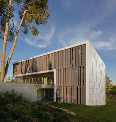 Galería de Academia de Estudios Avanzados / Chyutin Architects - 1