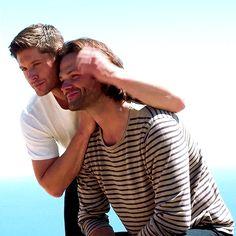 Jensen Ackles, Jared And Jensen, Sam Winchester Gif, Winchester Brothers, Jared Padalecki Brother, Eric Kripke, Winchester Supernatural, Sam Dean, Executive Producer