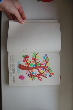 """Moje wykonanie jednej ze stron książki """"Zniszcz ten dziennik"""""""