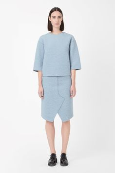 COS is a contemporary fashion brand offering reinvented classics and wardrobe essentials made to last beyond the season, inspired by art and design. Fashion 2017, Fashion Brand, Fashion Stores, Wool Skirts, Minimal Fashion, Contemporary Fashion, Fall Outfits, Autumn Fashion, Normcore