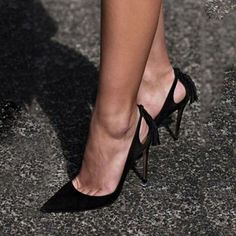 Shoespie Classy Black Pointed Toe Stiletto Heels. Tacchi Close-Up #Shoes #Tacones #Heels