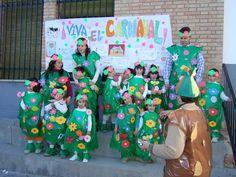 Halloween Disfraces, Crafts For Kids, Carnival, School, Children Costumes, Rocker Chick, Carton Box, Crafts For Children, Kids Arts And Crafts
