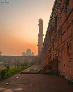 Awesome view Badshahi mosque Lahore Punjab Pakistan Luxury Interior Design, Interior Design Kitchen, Lahore Pakistan, Luxury Homes Dream Houses, Pent House, Luxury Beauty, Luxury Apartments, Luxury Living, Mosque