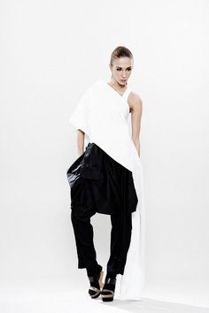 Chemise, Sexy chemise blanche en haut de la page, surdimensionné, Off Shoulder Top, Top asymétrique, Avant Garde Haut Renaissance tunique, blanche tunique Top