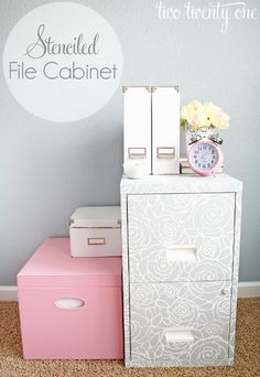 How to make a beautiful stenciled file cabinet for the home office! Home Projects, Home Crafts, Diy Home Decor, Home Office, Stencil Diy, Stencils, Damask Stencil, Rose Stencil, Furniture Makeover