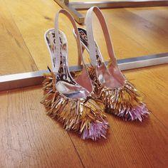 "100 Likes, 9 Comments - Stephanie Broek (@stephaniebroek) on Instagram: ""Rochas fringe heels 😳#lovewantneed #pfw #ss15 #rochas"""