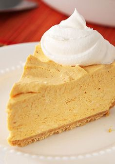 PHILADELPHIA No-Bake Pumpkin Cheesecake – Pumpkin, fall's golden child, is blended into a delectable cheesecake recipe, all without turning on the oven! A no-bake dessert idea worthy of your Thanksgiv(Philadelphia Bake Cheesecake) Brownie Desserts, Mini Desserts, Holiday Desserts, No Bake Desserts, Just Desserts, Holiday Recipes, Delicious Desserts, Dessert Recipes, Family Recipes