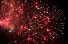 Fireworks | Borrowing a new lens so I took a million pics of… | Flickr