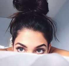 in bed selfie Beauty Makeup, Hair Makeup, Hair Beauty, Makeup Eyebrows, Makeup Haul, Gold Makeup, Pink Makeup, Tumblr Photography, Photography Poses