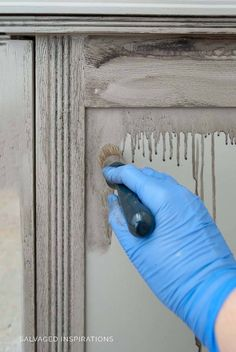 Today I'm sharing How To Create a GREIGE Restoration Hardware Paint Finish using only 2 Paint Colors! Furniture Fix, Chalk Paint Furniture, Furniture Makeover, Furniture Design, Dresser Makeovers, Repurposed Furniture, Restoration Hardware Furniture, Restoration Hardware Bathroom, Greige Paint