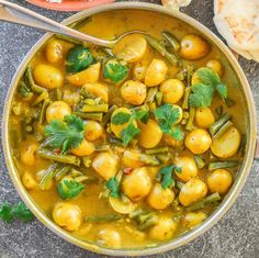 A really super simple Green Bean & Potato Curry that is budget friendly, only has 8 ingredients & needs no fancy schmancy spices.