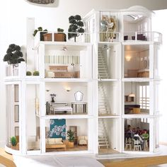 modern dollhouse by Dolls House Emporium Malibu Beach House KIT Cardboard Furniture, Barbie Furniture, Dollhouse Furniture, Modern Dollhouse, Diy Dollhouse, Dollhouse Miniatures, Victorian Dollhouse, Kit Homes, Malibu Beach House