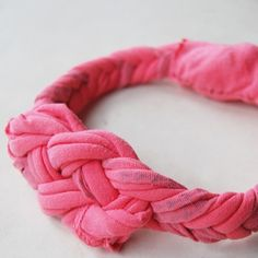 upcycled crafts | Upcycled T-Shirt Headband | Fun Family CraftsFun Family Crafts