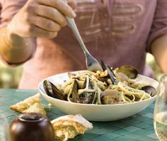 Spicy Linguine With Clams & Mussels Recipe