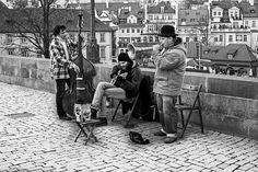 Musica - Praga una ciudad donde la música surge en cada esquina. Placer para el visitante - Prague is a city where music comes from every corner. Pleasure for the visitor