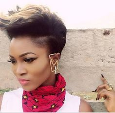 Album Review : Eva Alordiah - 1960 @EvaAlordiah   For an artiste with so much talent in her arsenal few would think it took so long for the album to get here. Despite wetting the appetite of her fans with an EP very few were left satisfied. The Album was what we were waiting for. Eva Alordiah ever since breaking into the music scene has had little or no real competition for her place. Many would have rested on their laurels on that note but not the queen of rap. With this Album Eva might…