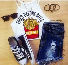 Image via We Heart It https://weheartit.com/entry/176515374/via/22455111 #beautiful #beauty #blue #brunette #clothe #converse #cute #dress #fashion #flower #girly #glitter #love #outfit #pink #pretty #short #summer #sunglasses #teen #young #crees