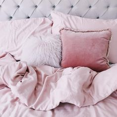 @hellooctoberathome pink bedding and cushions