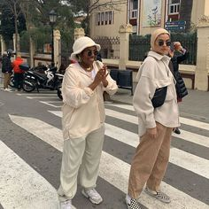 muslim fashion It takes one stranger to compliment us, for Aba to ruin our picture - scarf from sashionuk Modern Hijab Fashion, Street Hijab Fashion, Hijab Fashion Inspiration, Muslim Fashion, Aesthetic Fashion, Aesthetic Clothes, Modest Fashion, Korean Fashion, Mode Streetwear