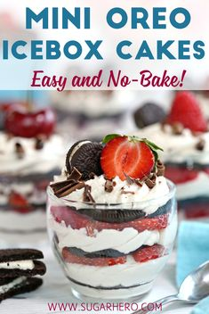 Oreo Icebox Cakes Mini Oreo Icebox Cakes are a simple, no-bake dessert. Oreo cookies, flavored whipped cream, and fresh berries are all you need to make this quick and easy dessert! Biscuit Oreo, Oreo Biscuits, Baking Biscuits, Easy No Bake Desserts, Mini Desserts, Oreo Icebox Cake, Oreo Cheesecake Cupcakes, Oreo Dessert Recipes, Mini Oreo