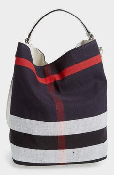 Want this Burberry Brit bucket bag for the beach!