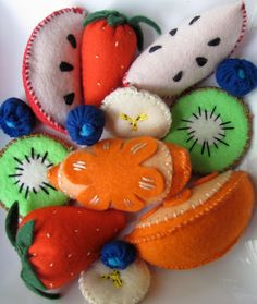 Felt fruit salad play food - great item to get the kids using the imagination.