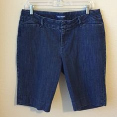 Old Navy Denim Bermuda Shorts Capris 18 inches long, good condition!  Tab waist closure. Old Navy Jeans