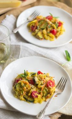 Spaghetti Squash Primavera - A low carb, gluten free and healthy version of the classic pasta dish! | Foodfaithfitness.com | @FoodFaithFit