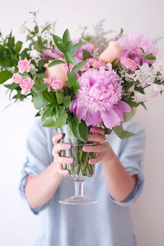 Tips for creating a gorgeous cascading floral arrangement.