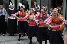 Volksdansgroep Orient Culemborg from the Netherlands, one of our Summerfest Folk Groups. Cultural Dance, Netherlands, Folk, Culture, Style, Fashion, The Nederlands, Swag, Moda