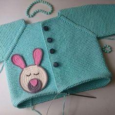 3 Year Old Baby Knit Cardigan Knit Baby Dress, Knitted Baby Clothes, Knitted Baby Blankets, Crochet Clothes, Knitting Blogs, Knitting Kits, Baby Knitting, Bandana Bib Pattern, Crochet Bikini Pattern