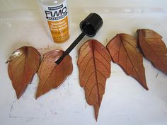 Photo tutorial - how to make impressed leaf pendants. Directions in Czech. It's that time of year again. #Polymer #Clay #Tutorials