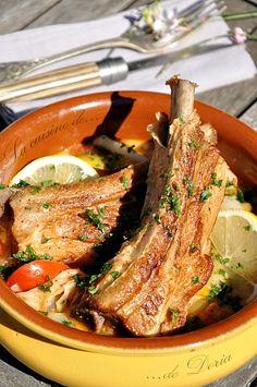 """La cuisine de Georges Blanc est une véritable inspiration.... La recette que je vous propose est tirée du livre """"La cuisine de nos mères"""". Ingrédients 4 personnes 4 tendrons de veau 8 poireaux 3 grosses tomates 15 petits oignons blancs frais en botte..."""