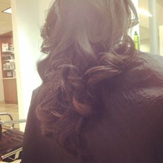 Beautiful #Luxury #Blowdry I did on my guest on #ValetinesDay. She had absolutely gorgeous hair and wanted just enough #soft #loose #curls. #ByMario #ByBecca #MarioTricociArlingtonHeights #GettingThatKimKLook