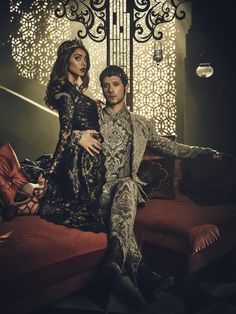THE MAGICIANS -- Season:2 -- Pictured: (l-r) Summer Bishil as Margo, Hale Appleman as Eliot -- (Photo by: Jason Bell/Syfy)