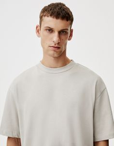 Samarreta bàsica canalé coll - PULL&BEAR Pull & Bear, Mens Tops, T Shirt, Fashion Design, Supreme T Shirt, Tee Shirt, Tee