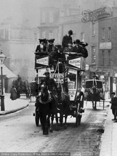 London, Horse-draw Carriage 1906