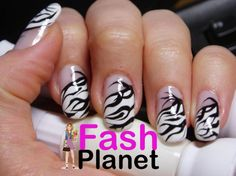 Women indulge themselves in creating attractive and unique nail art, making their nails a focal point. Zebra nail designs are gradually. Solar Nail Designs, Zebra Nail Designs, Nail Designs Tumblr, Funky Nail Designs, Fingernail Designs, Acrylic Nail Designs, Nails Design, Zebra Stripe Nails, Zebra Nail Art