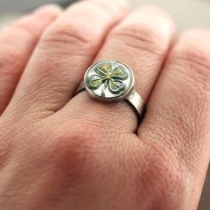 Shamrock Ring Kelly Green Four Leaf Clover St by TheSlyFox on Etsy, $65.00 olanngra