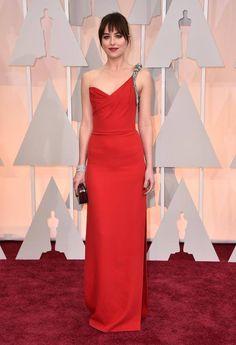 Dakota Johnson en la alfombra roja de los #Oscar2015,