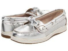 Sebago Skimmer..in tan too. Pretty much in love with these shoes right now!