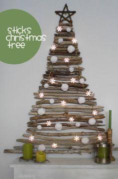 Albero di Natale fatto di legni di recupero #Natale #riciclo #legno  fonte: web