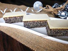 Raspberrybrunette: Žĺtkové rezy makové Eastern European Recipes, Russian Recipes, Pound Cake, Amazing Cakes, Straw Bag, Place Card Holders, Baking, Sweet, Polish