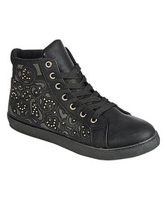 Take a look at this Via Pinky Collection Black Perla Sneaker today!