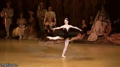 Victoria Tereshkina, Black Swan Coda, Swan Lake People Dancing, Dancing In The Rain, Ballerina Dancing, Ballet Dancers, Fouette Turns, Russian Ballet, Ballet Photos, Dance Stuff, Dance Poses